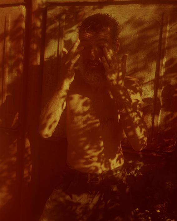1- L'Ermite, 2020, extrait de la série Les Contrebandiers, 2020